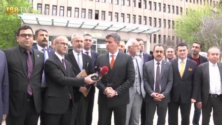 Feyzioğlu, baro başkanlarıyla birlikte Ankara Adliyesi önünde basın açıklaması yaptı